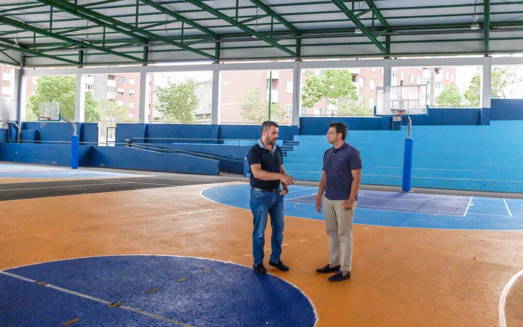 El polideportivo Manolo Santaella mejora sus instalaciones
