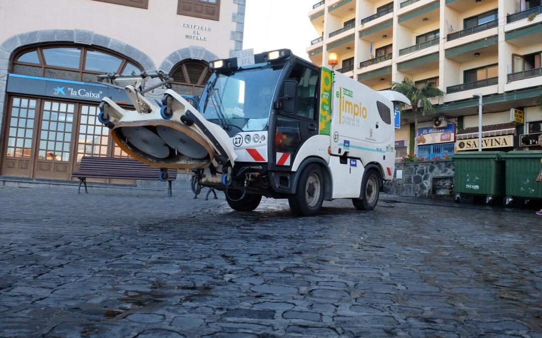 El Ayuntamiento portuense realiza una campaña especial de recogida de residuos en Reyes