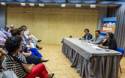 La concejalía de Turismo organiza un encuentro con una veintena de turoperadores de la Isla