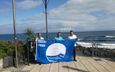 La bandera azul ondea en Puerto de la Cruz