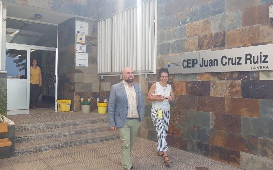 González da la bienvenida al nuevo curso escolar visitando todos los colegios de primaria del municipio