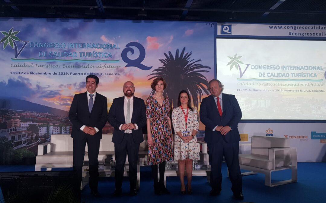 La Secretaria de Estado de Turismo, Isabel Oliver y el presidente del ICTE, Miguel Mirones, apuestan por la introducción de los objetivos de desarrollo sostenible y un turismo socialmente responsable en la inauguración del V Congreso Internacional de Calidad Turística