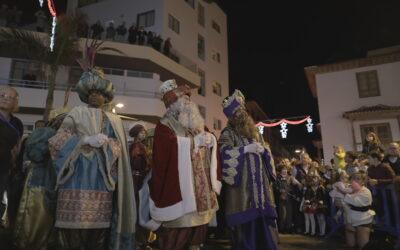 Puerto de la Cruz recibe a sus SSMM los Reyes Magos