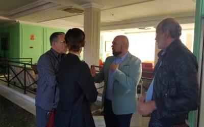 El Ayuntamiento apoya las reivindicaciones del personal del Hotel Elegance Miramar