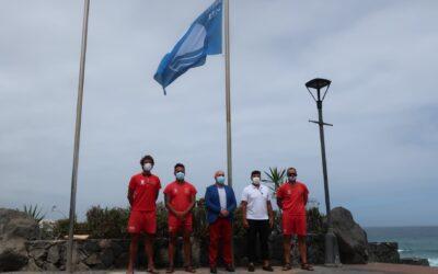Las banderas azules 2020 ya ondean en Playa Jardín y San Telmo