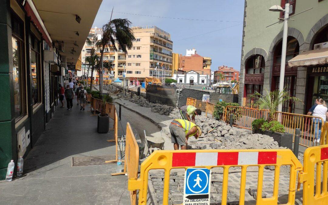 Continúan las obras de mejora en el firme de la calle Santo Domingo