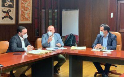 El Ayuntamiento y el Gobierno de Canarias trabajan conjuntamente en la mejora del posicionamiento comercial de la ciudad