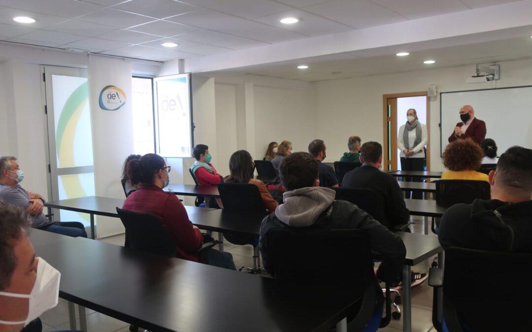 Puerto de la Cruz contrata a diecinueve personas a través del Programa NOE-COVID