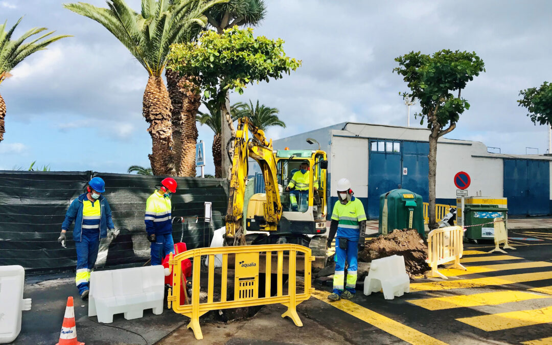 El Ayuntamiento elimina tres conexiones irregulares de aguas fecales en el entorno de la antigua piscina