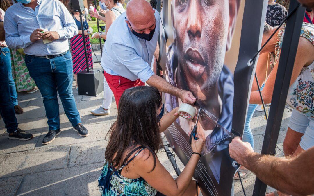 Periplo condena los actos de odio contra la exposición 'Las Raíces'